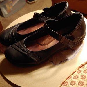 Women's Earth Origins Black Mary Jane shoes 10